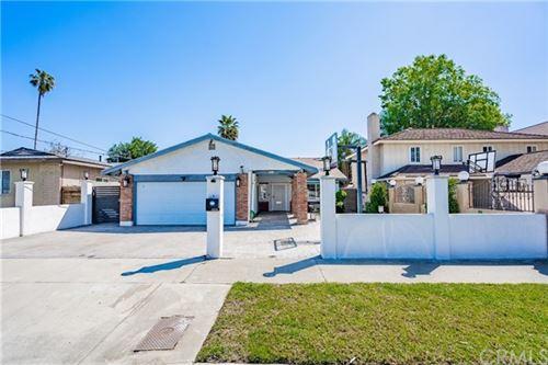 Photo of 6826 Katherine Avenue, Van Nuys, CA 91405 (MLS # IV21078130)