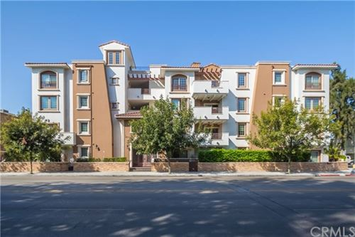 Photo of 4551 Coldwater Canyon Ave #401, Studio City, CA 91604 (MLS # RS20120130)