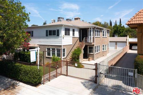 Photo of 10939 Moorpark Street, North Hollywood, CA 91602 (MLS # 21765164)