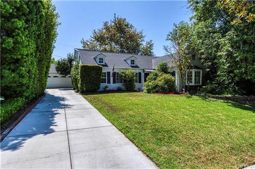 Photo of 810 E Walnut Avenue, Burbank, CA 91501 (MLS # BB21167262)