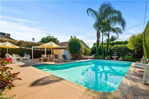 Photo of 6929 Louise Avenue, Lake Balboa, CA 91406 (MLS # SR21199270)