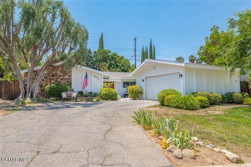 Photo of 22714 Margarita Drive, Woodland Hills, CA 91364 (MLS # 221003287)