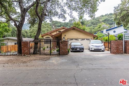 Photo of 2912 OAKENDALE Place, Glendale, CA 91214 (MLS # 20581384)