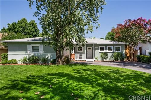 Photo of 7106 Andasol Avenue, Lake Balboa, CA 91406 (MLS # SR20131388)