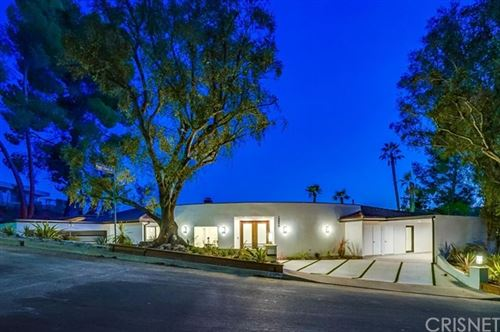 Photo of 15800 High Knoll Road, Encino, CA 91436 (MLS # SR20111394)