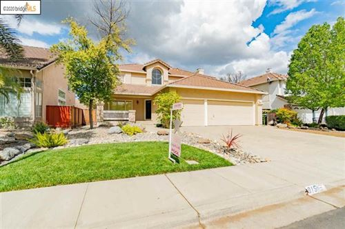 Photo of 915 Crescent Drive, Brentwood, CA 94513 (MLS # 40900406)