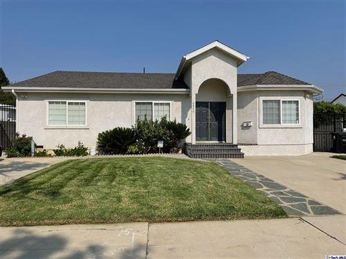 Photo of 6846 Shoshone Avenue, Van Nuys, CA 91406 (MLS # 320007503)