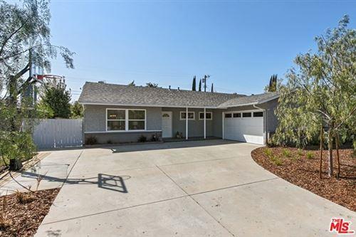 Photo of 6547 Farralone Avenue, Woodland Hills, CA 91303 (MLS # 21705512)
