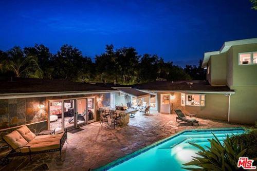 Photo of 15320 Kingswood Lane, Sherman Oaks, CA 91403 (MLS # 20636514)