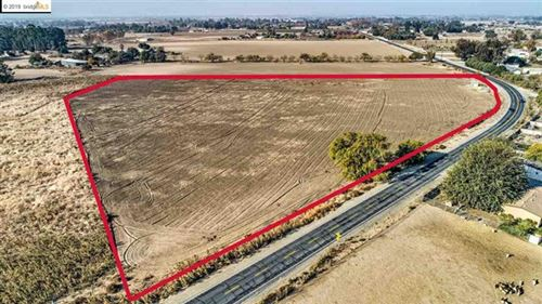 Photo of 2925 SUNSET RD., Brentwood, CA 94513 (MLS # 40889528)