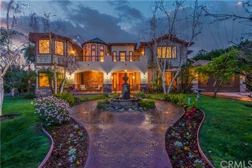 Photo of 5230 Quakertown Avenue, Woodland Hills, CA 91364 (MLS # SW21060533)