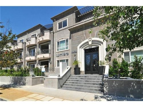 Photo of 4424 Whitsett Avenue #112, Studio City, CA 91604 (MLS # SR20124588)