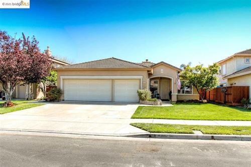 Photo of 523 Stanwick Street, Brentwood, CA 94513 (MLS # 40949627)