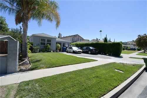 Photo of 5140 Newcastle Avenue, Encino, CA 91316 (MLS # SW21196689)