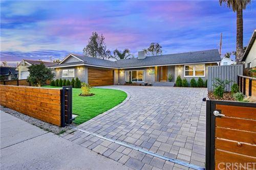 Photo of 23641 Bessemer Street, Woodland Hills, CA 91367 (MLS # SR21065694)