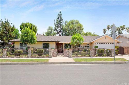 Photo of 17410 Prairie Street, Northridge, CA 91325 (MLS # SR21166695)