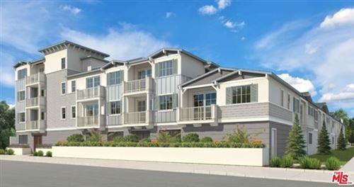 Photo of 6817 Winnetka Avenue, Winnetka, CA 91306 (MLS # 21724736)