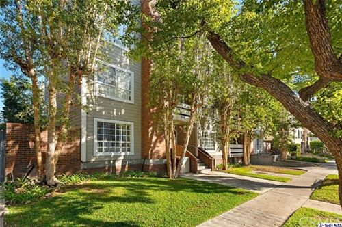 Photo of 522 N Jackson St Street #304, Glendale, CA 91206 (MLS # 319004771)