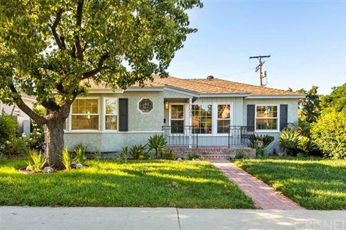 Photo of 16645 Magnolia Boulevard, Encino, CA 91436 (MLS # SR20113773)