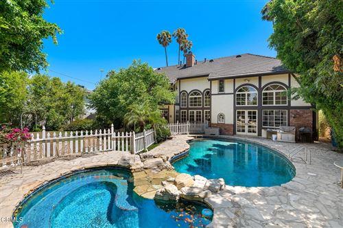 Photo of 17135 Hart Street, Lake Balboa, CA 91406 (MLS # P1-5879)