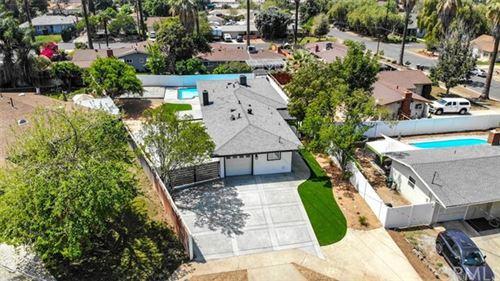 Photo of 939 Chestnut Avenue, Redlands, CA 92373 (MLS # CV21078901)
