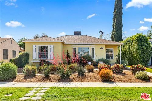 Photo of 6605 Mclennan Avenue, Lake Balboa, CA 91406 (MLS # 21732942)