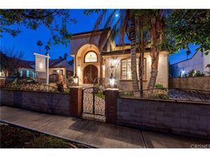Photo of 628 South CITRUS Avenue, Los Angeles , CA 90036 (MLS # SR19048336)