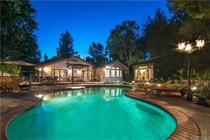 Photo of 5826 WINNETKA Avenue, Woodland Hills, CA 91367 (MLS # SR19115566)