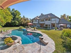 Photo of 5946 WOODLAKE Avenue, Woodland Hills, CA 91367 (MLS # SR19139691)