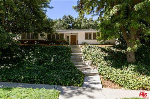 Photo of 4053 HAYVENHURST Drive, Encino, CA 91436 (MLS # 19489772)