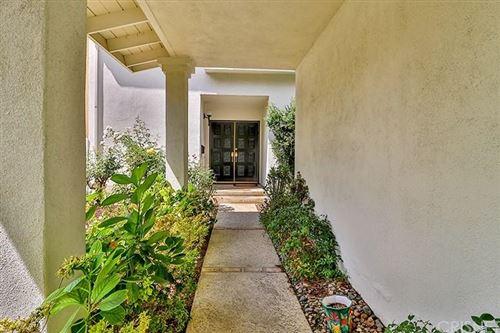 Photo of 4233 GOODLAND Avenue, Studio City, CA 91604 (MLS # SR19215900)
