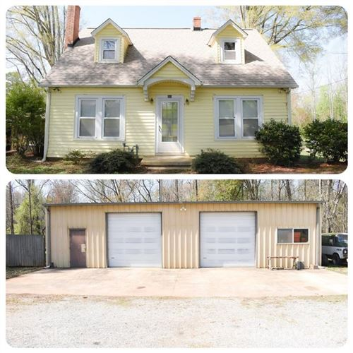 Photo of 233 Cape Hickory Road, Hickory, NC 28601 (MLS # 3725625)