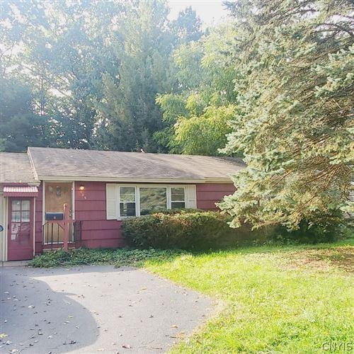 Photo of 105 Armitage Drive, Syracuse, NY 13212 (MLS # S1372666)