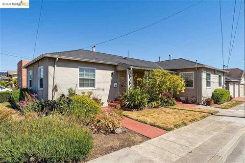 Photo of 572 29Th St, RICHMOND, CA 94804 (MLS # 40954027)