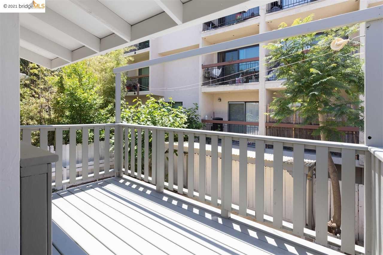 Photo of 71 Rio Vista Ave, OAKLAND, CA 94611 (MLS # 40955074)