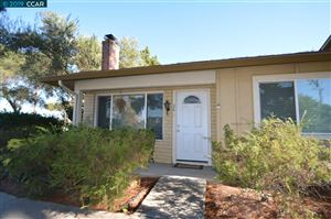 Photo of 36 Fountainhead Ct, MARTINEZ, CA 94553 (MLS # 40849126)