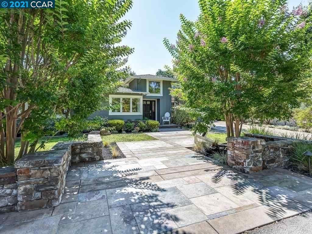 Photo of 860 Broadmoor Court, LAFAYETTE, CA 94549 (MLS # 40959221)