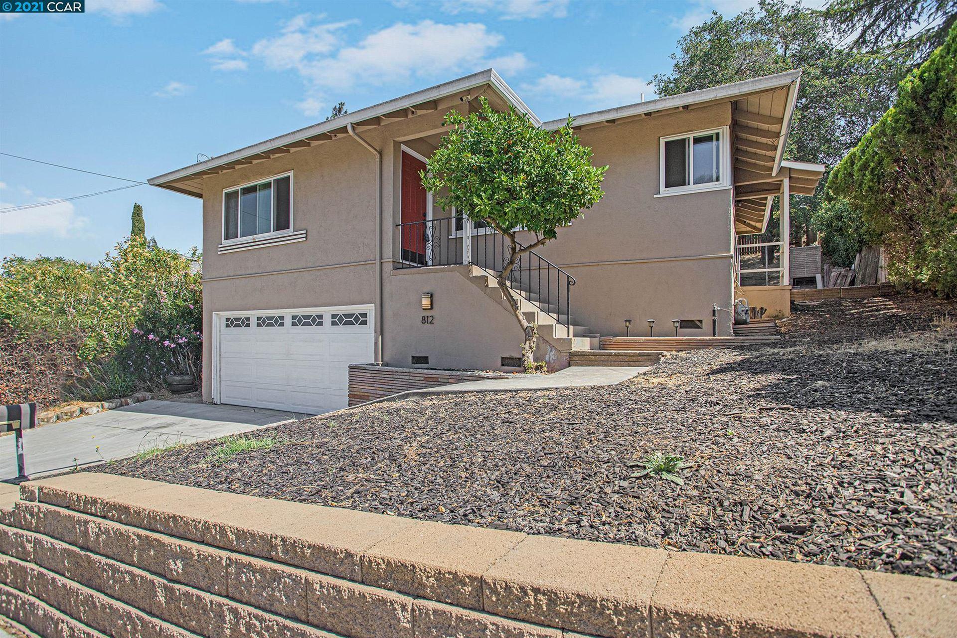 Photo of 812 Shell Ave, MARTINEZ, CA 94553 (MLS # 40966347)