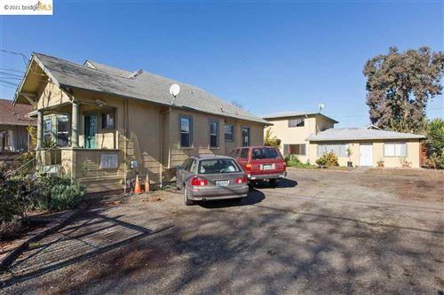 Photo of 1529 Tyler St, BERKELEY, CA 94703 (MLS # 40958355)
