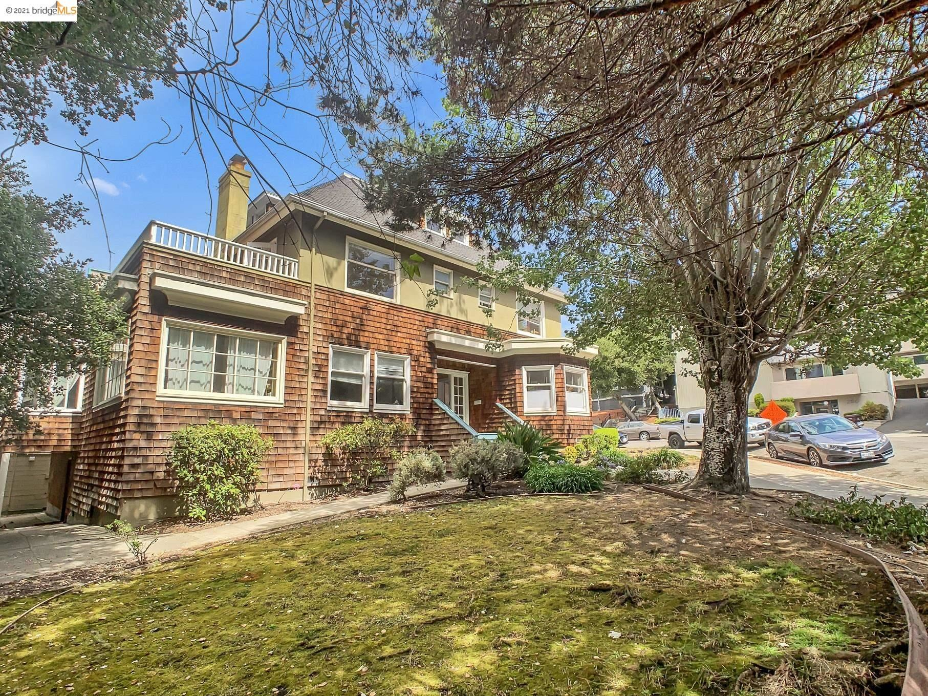 Photo of 283 Park View Ter, OAKLAND, CA 94610 (MLS # 40966429)