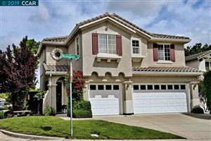 Photo of 31 Medallion Ct, PLEASANT HILL, CA 94523 (MLS # 40866562)