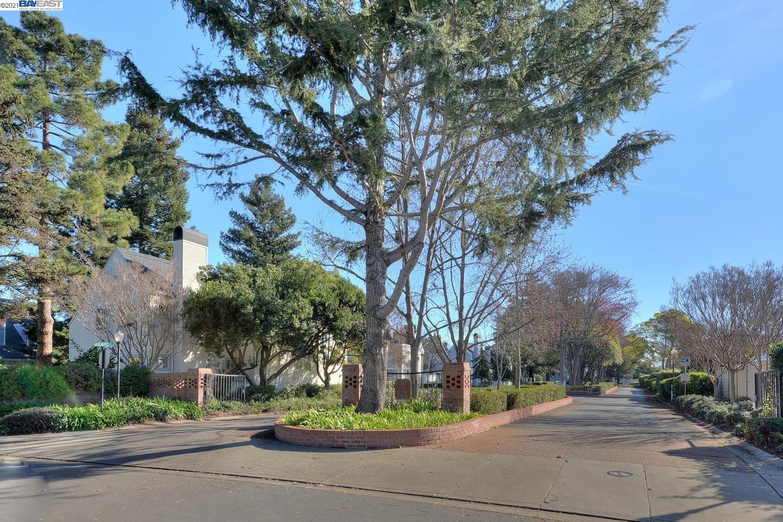 Photo of 2803 WELK CMN, FREMONT, CA 94555-1472 (MLS # 40968623)