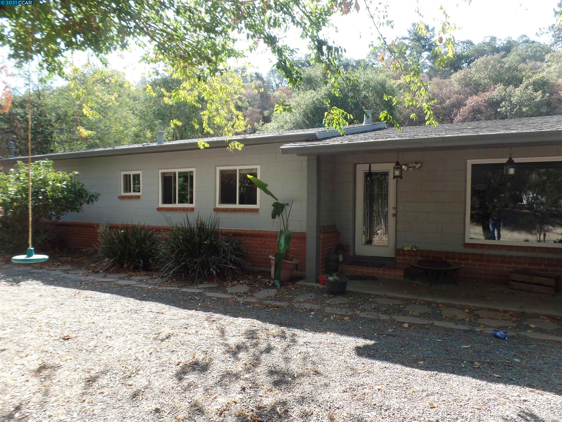 Photo of 3060 Lester Road, MARTINEZ, CA 94553-4552 (MLS # 40968645)
