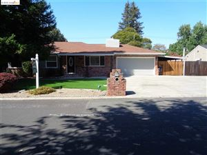 Photo of 76 Chaucer Dr, PLEASANT HILL, CA 94523 (MLS # 40879694)