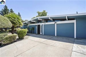 Photo of 3724 Barrington Dr, CONCORD, CA 94518 (MLS # 40873727)