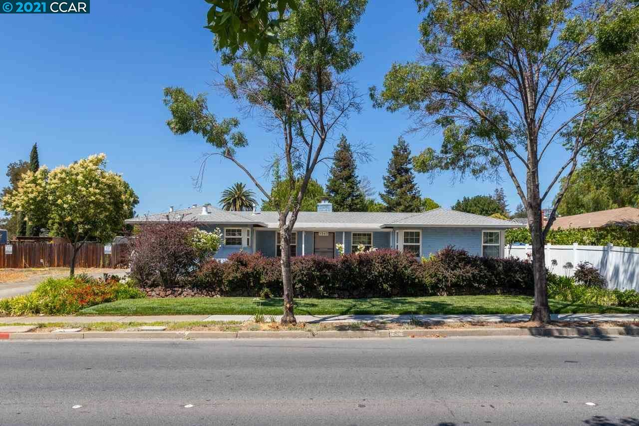 Photo of 3243 Clayton Rd, CONCORD, CA 94519 (MLS # 40958783)