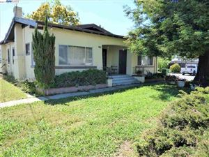 Photo of 21165 Garden Ave #21163, HAYWARD, CA 94541 (MLS # 40866952)