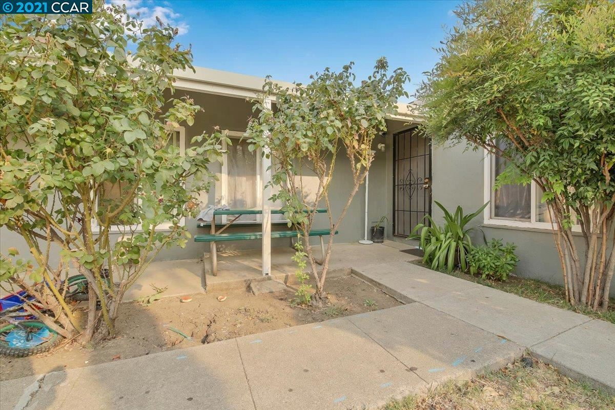 Photo of 77 Alturas Ave, PITTSBURG, CA 94565 (MLS # 40962958)