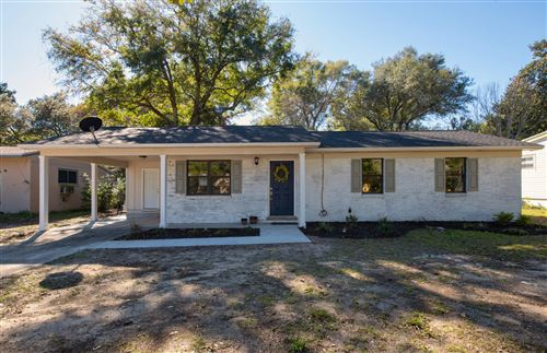 Photo of 333 Ohio Avenue, Valparaiso, FL 32580 (MLS # 835072)