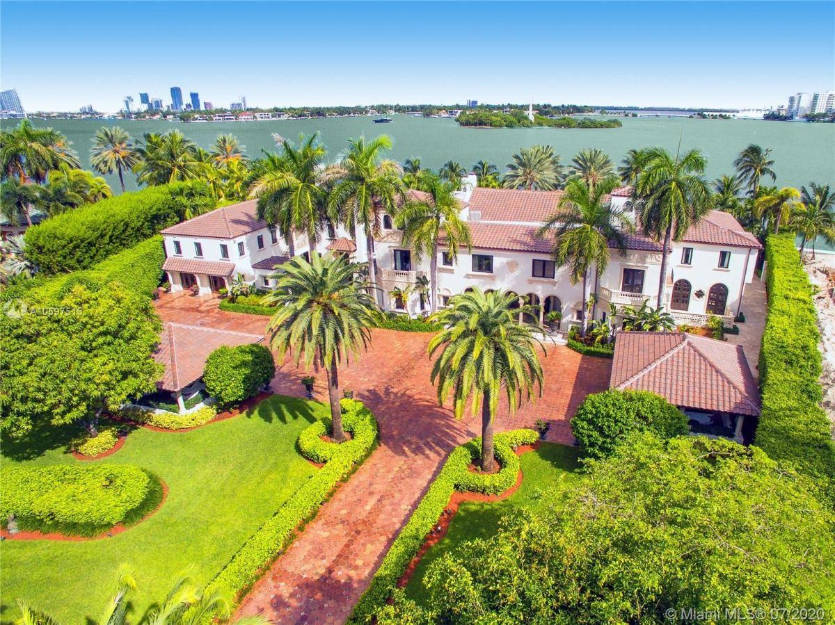 Photo for 46 Star Island Dr, Miami Beach, FL 33139 (MLS # A10597515)